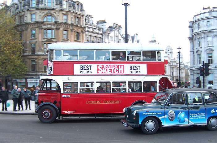 ST922 at Trafalgar Square