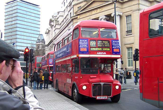 RML2572 at Trafalgar Square